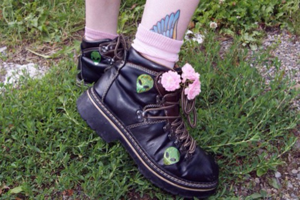 shoes grunge grunge shoes grunge boots alien socks indie indie shoes grunge alternative