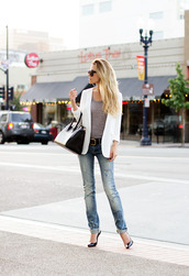 jacket,t-shirt,shoes,jeans,bag,fashion