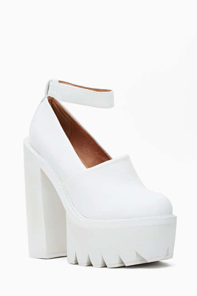 Jeffrey Campbell Scully Platform - White at Nasty Gal