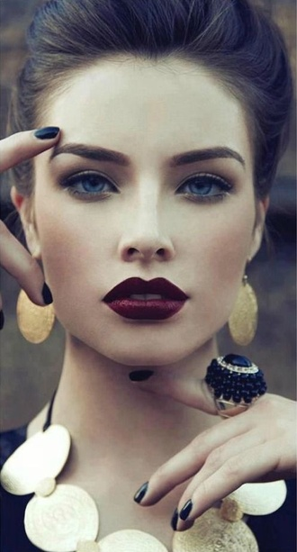 make-up dark lipstick dark red model earings ring