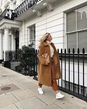 coat,brown coat
