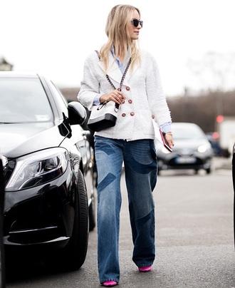 bag white bag jacket white jacket sunglasses chanel gabrielle small hobo bag streetstyle blue jeans jeans