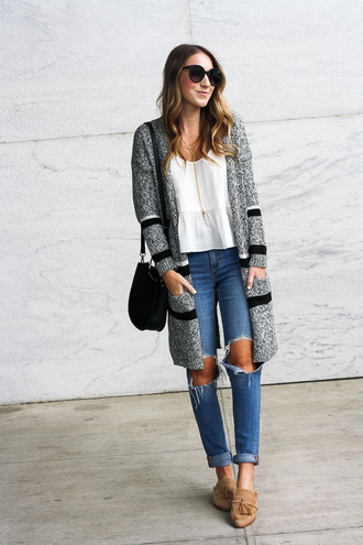 twenties girl style blogger cardigan tank top sunglasses jewels bag fall outfits shoulder bag ripped jeans loafers