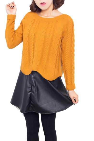 Plain cable knit round neck sweatshirt with asymmetric hem