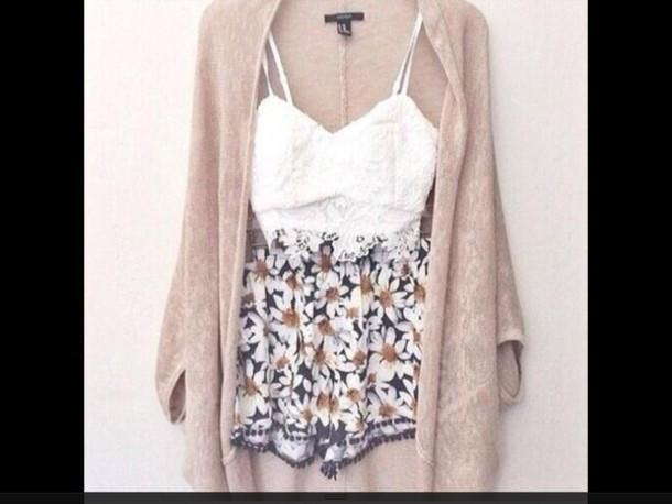shorts daisy shorts crop tops cardigan shirt