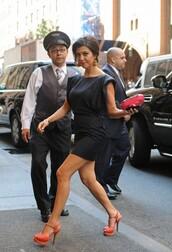shoes,orange shoes,kourtney kardashian,black dress,high heels,dress