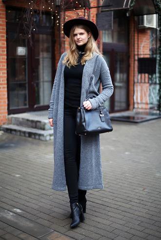 white rabbit dreams blogger cardigan sweater jeans hat bag shoes