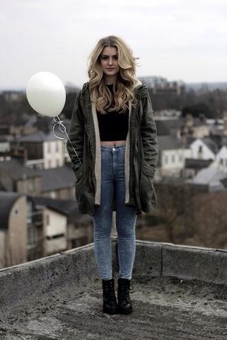 t-shirt jeans pants coat fashion shoes white crop tops