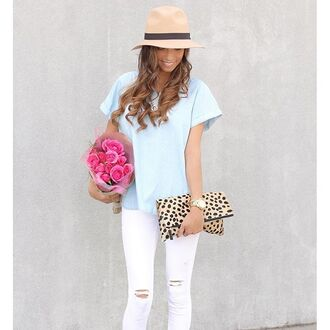 bag leopard print leopard bag leopard print bag leopard print handbag handbag purse leopard purse chambray chambray blouse chambray top white white ripped jeans white ripped denim blogger leopard heels leopard print high heels fedora tan fedora tan hat