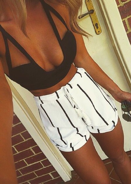 top t-shirt germany shorts skirt tank top top black summer black and white stripes black white short white shorts black shorts fashion tip me addicted where to buy it buy helpneeded bye❤️ white shorts crop top crop tops