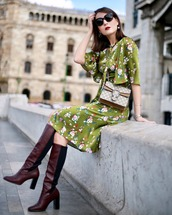 dress,brown boots,tumblr,green dress,floral,floral dress,boots,sunglasses,midi dress