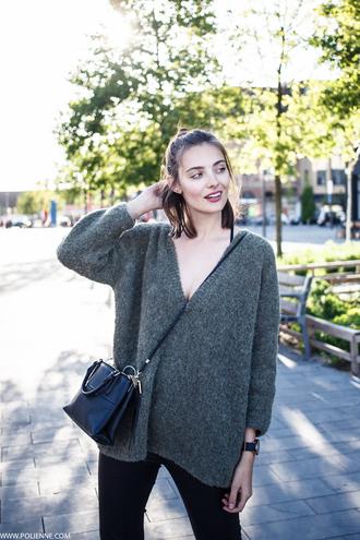 polienne blogger v neck oversized sweater crossbody bag black leather bag