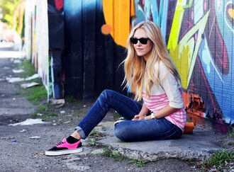 shoes sunglasses t-shirt cheyenne meets chanel jeans
