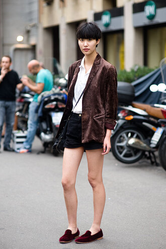 shoes velvet shoes velvet burgundy burgundy shoes shorts black shorts white shirt shirt crossbody bag black bag bag fall outfits brown jacket jacket streetstyle