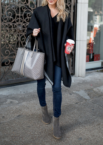 krystal schlegel blogger bag shoes jeans tote bag tory burch starbucks coffee grey bag ankle boots grey boots