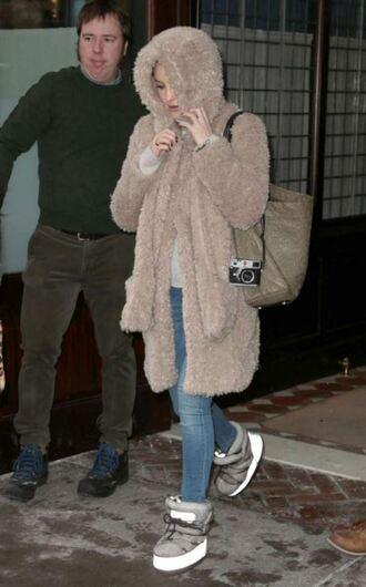 coat fur faux fur faux fur coat kate hudson boots jeans shoes