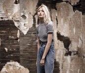 sweater,grey,knitwear,style,short,jeans