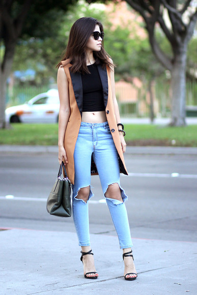 jewels crop tops blogger fake leather top jeans bag shoes sunglasses ripped jeans sandals high heels high heel sandals zara