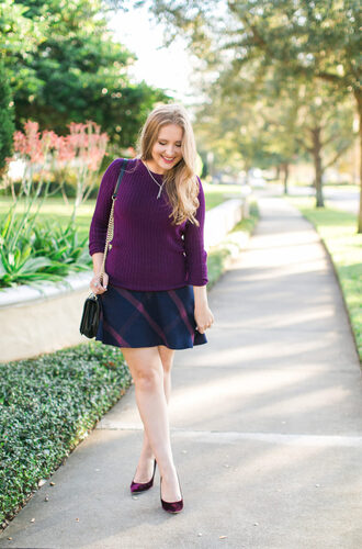 ashley brooke blogger sweater skirt shoes bag jewels make-up purple sweater mini skirt purple shoes pumps