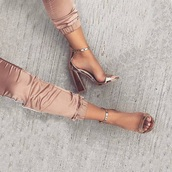 shoes,matalic,summer shoes,heels,high heels,peep toe heels,gold,rose gold,sexy,sexy pumps