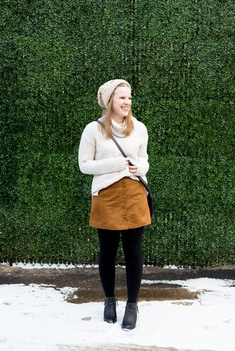 somethinggood blogger sweater skirt shoes tights hat