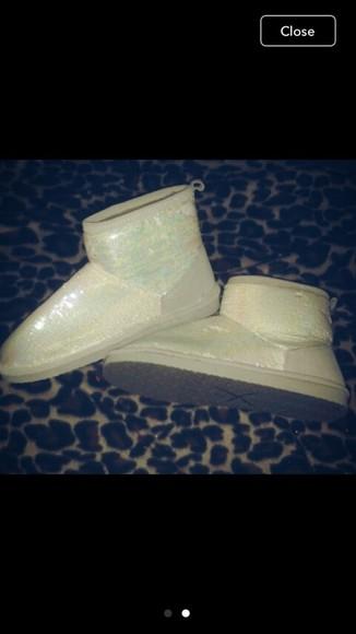 victoria's secret white fuzzy boots victoria's secret boots