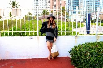 the boho flow blogger striped dress grey dress tote bag fedora