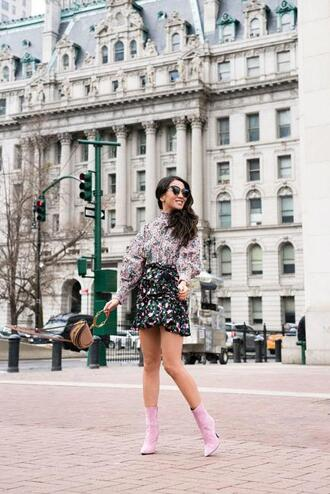 wendy's lookbook blogger dress blouse romper skirt top ankle boots floral top mini skirt spring outfits