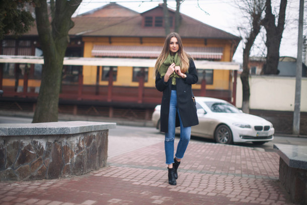 fashion agony blogger coat jeans top shoes scarf bag jewels
