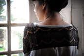 leeloo,lace,black shirt,grey shirt,shirt
