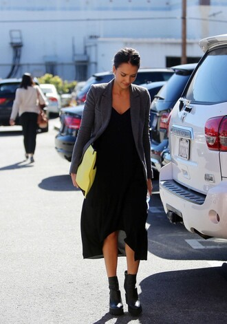 dress jessica alba black fall outfits boots cardigan bag