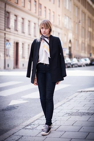 chaloth blogger black blazer printed scarf converse