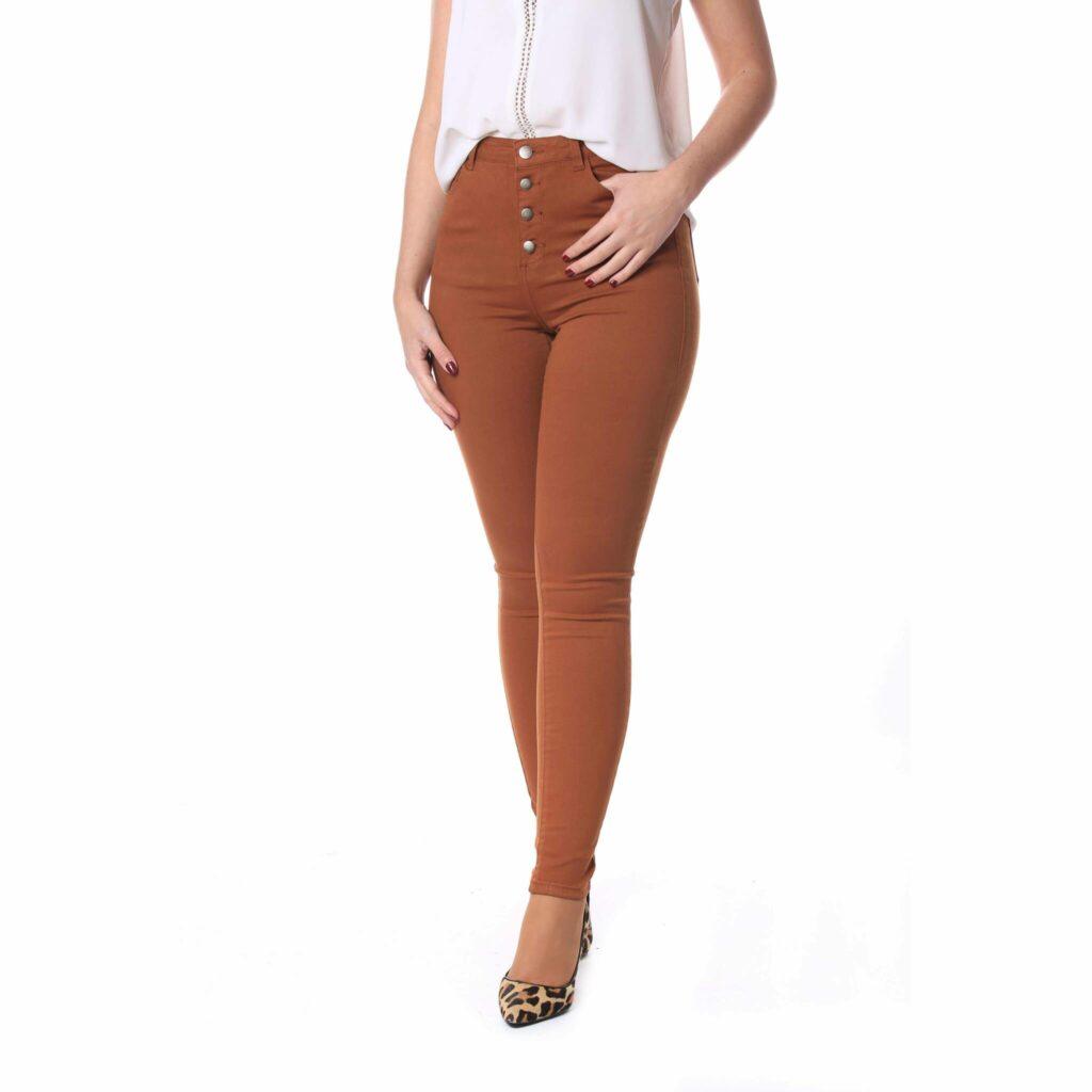 Jeans camel skinny talle alto con botones | Le Coccó
