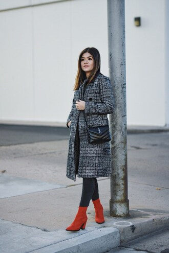 chictalk blogger bag shoes winter outfits ysl bag grey coat boots red boots