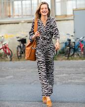 jumpsuit,animal print,mules,bag,earrings,zebra print