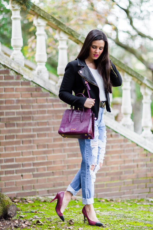 crimenes de la moda blogger jacket sweater jeans belt shoes bag