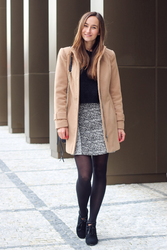 a cup of style blogger camel coat grey skirt