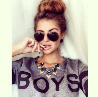 sweater sexy sweater cute sweaters grey t-shirt black guys jewels jewelry gold jewelry gold necklace gold necklace triangle necklace sunglasses black sunglasses rayban clothes aviator sunglasses