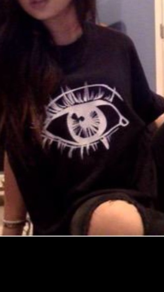 t-shirt eye black