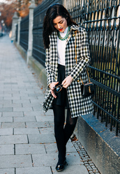 coat,tumblr,black and white,printed coat,tartan,plaid,top,white top,statement necklace,necklace,jewels,jewelry,tights,opaque tights,skirt,mini skirt,black skirt,bag,black bag,ysl,ysl bag,chain bag,shoes,black shoes,pants