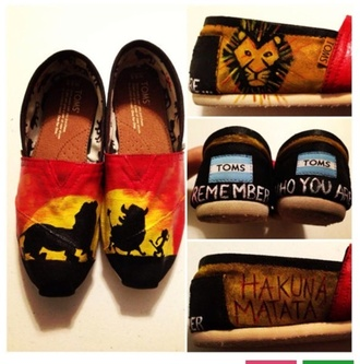 shoes lion king ❤️ toms lion king hakuna matata