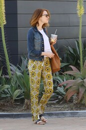 sandals,flat sandals,emma stone,spring outfits,pants,jacket
