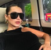 top,black top,bella hadid,sunglasses,asymmetrical,asymmetrical top,model off-duty,instagram