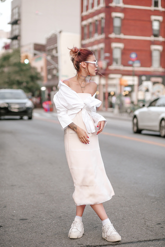 le happy blogger dress blouse jewels shoes sunglasses midi dress strapless white shirt sneakers
