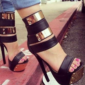 shoes high heels sandals open toes platform shoes eye cather eye catcher shoes eye catcher black gold black and gold shoes open toe sandals