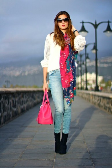 bag shoes scarf jewels jeans sunglasses marilyn's closet blog