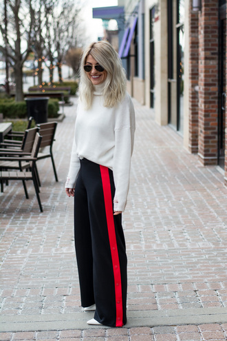 lestylorouge blogger sweater pants shoes sunglasses white sweater turtleneck sweater spring outfits