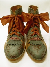 shoes,boots,hippie,vintage,vintageboots,vintage boots,mori,fairy boots,ribbons,laces,olive boots,forest,indie,indian,indian boots,green