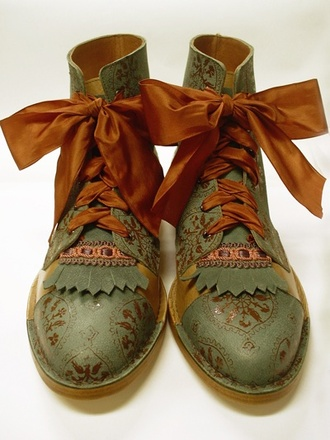shoes boots hippie vintage vintageboots vintage boots mori fairy boots ribbons laces olive boots forest indie indian indian boots green