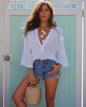 shorts,denim,denim shorts,top,white top,bag,necklace